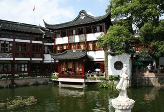 Lake in Yuyuan Garden
